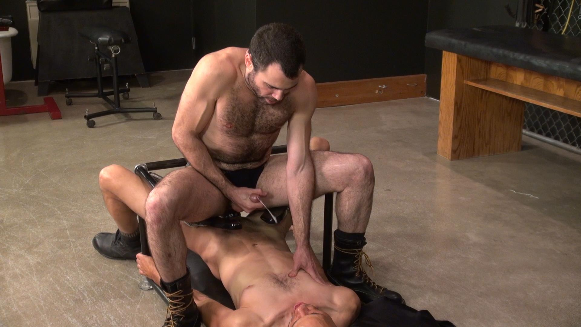 Raw-and-Rough-Dusty-Williams-and-Seth-Patrick-Barebacking-A-Stranger-at-A-Sex-Club-Hairy-Amateur-Gay-Porn-04 Barebacking A Hairy Guy At A Gay Sex Club