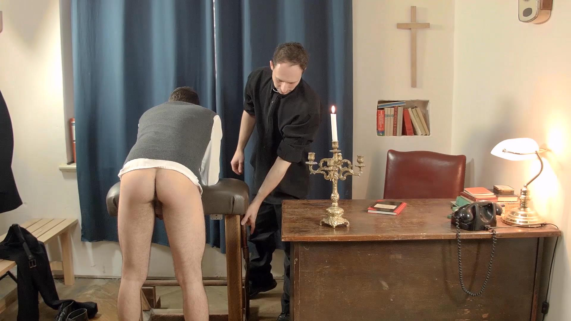 Bareback-Me-Daddy-Oscar-Hart-Priest-Fucks-Bareback-Amateur-Gay-Porn-02 College Boy Gets Fucked Bareback By An Older Priest With A Big Uncut Cock